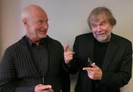 Ivar Castberg i ivrig samtale med forfatteren Jostein Gaarder