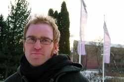 Erik Martiniussen er journalist med bakgrunn fra aviser som Klassekampen og Dagens Næringsliv. Han har tidligere jobbet for Natur og Ungdom, Zero og Bellona,og  har fulgt FNsklimaforhandlinger på nært hold.