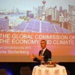 Jens Stoltenbergs budskap om at det er mulig å kombinere klimakutt og økonomisk vekst er blitt godt mottatt av verdens økonomiske og politiske eliter.