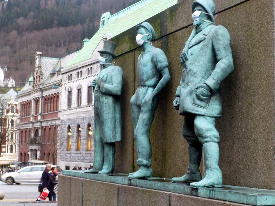 I Bergen demonstrerte også de gamle sjøfolka mot dårlig byluft.