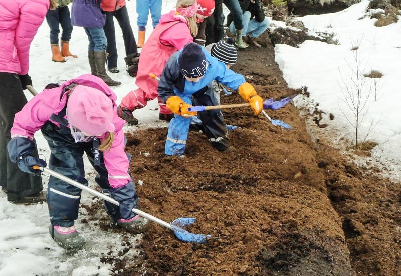 Jødahl unger graver