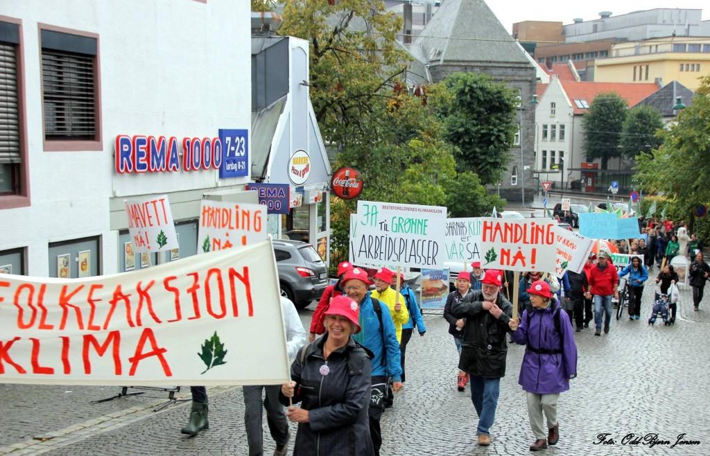 "Thelma midt i bildet, fra ""Folkets klimamarsj"" i Bergen 20 september 2014."