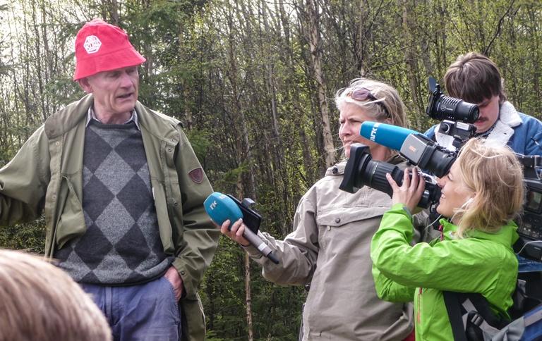 Kåre Homble fortalte om Måsan og hva som er gjort for å stoppe det irreversible naturinngrepet. Foto: Ivan Chetwynd