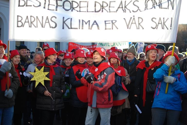 Besteforeldrene i Folkets klimamarsj, Oslo 28. november 2015. Foto: Jan Walter Parr