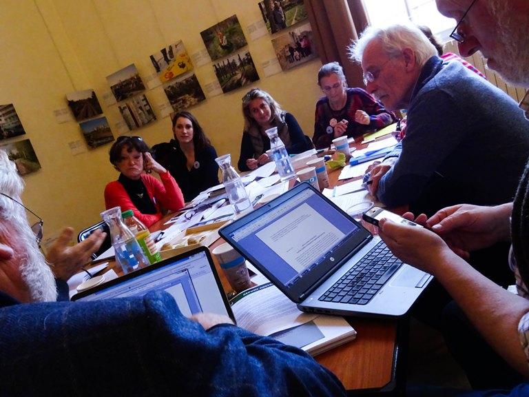 Møte i Paris mellom besteforeldregrupper fra flere land. Foto: Estelle Le Touzé