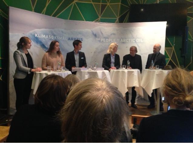 Fra pressekonferansen 18. oktober der søksmålet mot staten blir kunngjort. Foto: Finn Bjørnar Lund