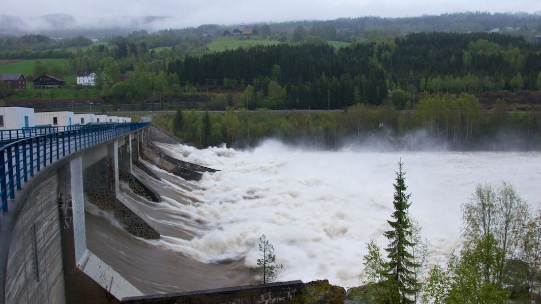 Hunderfossen_Dam